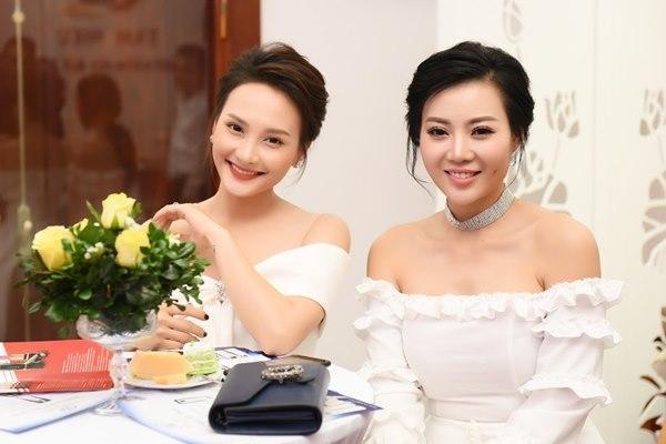 Gái ngành Quỳnh búp bê Thanh Hương cùng Bảo Thanh gây chú ý vì gương mặt khác lạ-9