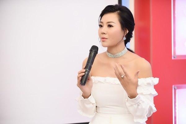 Gái ngành Quỳnh búp bê Thanh Hương cùng Bảo Thanh gây chú ý vì gương mặt khác lạ-4