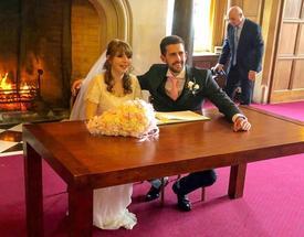 Dành cả đêm tân hôn trong bệnh viện, cặp đôi quyết cưới 'tập 2'