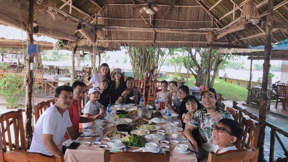 HỒ SƠ SAO: Kiều Minh Tuấn từ nam sinh nghèo khó ngày ăn 1 bữa mỳ đến tình trẻ thị phi bên 2 máy bay đình đám-9