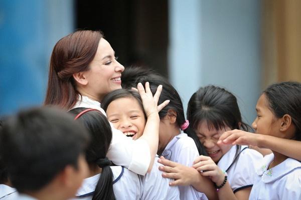 Vpop tháng 9: Thu Minh giàn giụa nước mắt, Phi Nhung hát về nạn bỏ con, Miu Lê làm MV như phim kinh dị-4