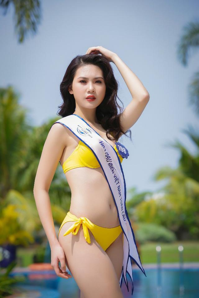 Quá khứ thi hoa hậu lạ đời của Bùi Quỳnh Hoa trước khi đoạt Quán quân Siêu mẫu Việt Nam 2018-9
