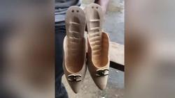 Giày cao gót làm từ nguyên ống tre hoàn toàn thủ công