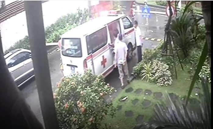 Chặn xe cấp cứu, bệnh nhân đột quỵ chết: Xe phải chặn, sống chết mặc kệ-2