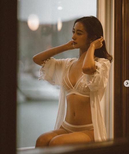 Jun Vũ xinh đẹp, quyến rũ cỡ nào gây sốt cộng đồng mạng Hàn Quốc?-3