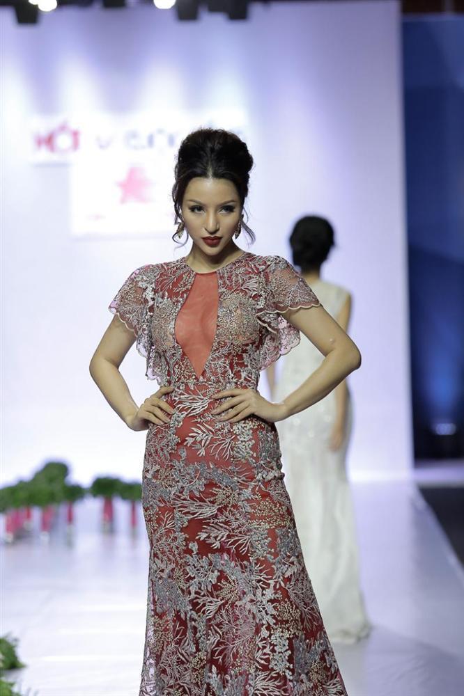 12 mỹ nhân đứng đầu Siêu mẫu Việt Nam: Người sự nghiệp ngày càng tỏa sáng, kẻ ở ẩn mờ nhạt sắc hương-22