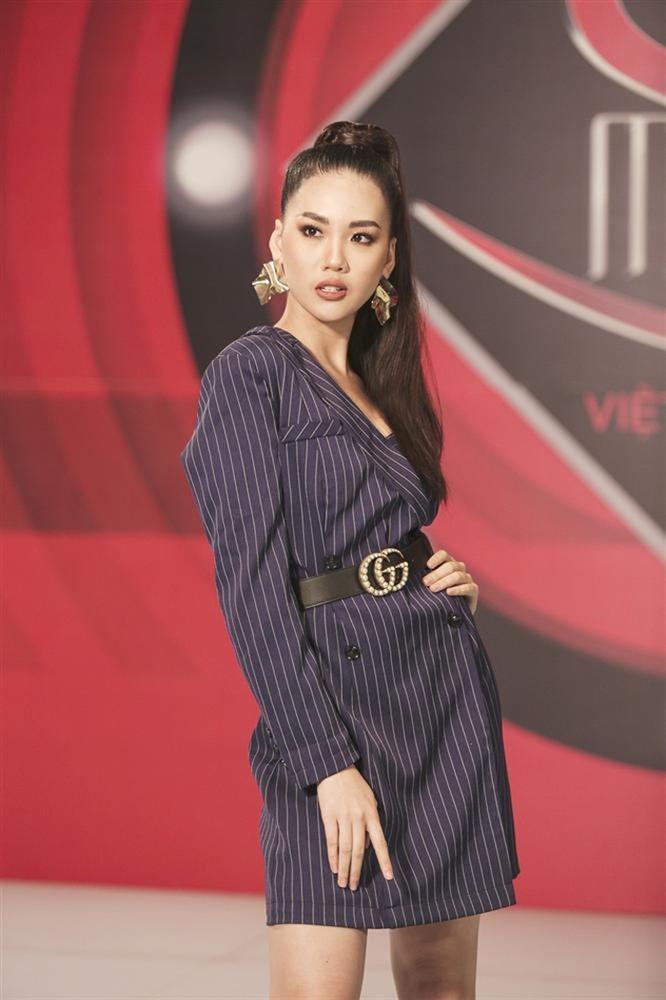 12 mỹ nhân đứng đầu Siêu mẫu Việt Nam: Người sự nghiệp ngày càng tỏa sáng, kẻ ở ẩn mờ nhạt sắc hương-24