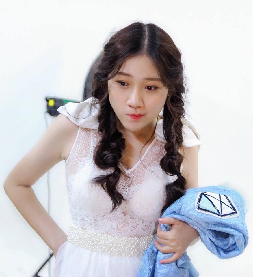 Chân dung em gái út xinh đẹp của MC Trấn Thành sắp tấn công showbiz-4