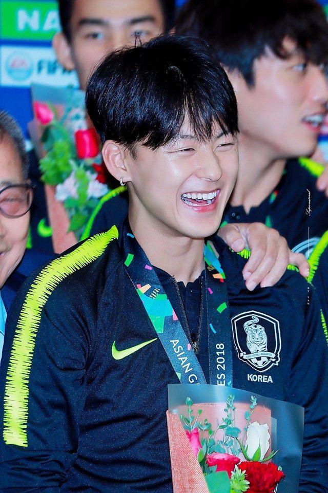 Đi tìm những gương mặt mỹ nam đồng loạt gây sóng gió trên mạng xã hội xứ Hàn-13