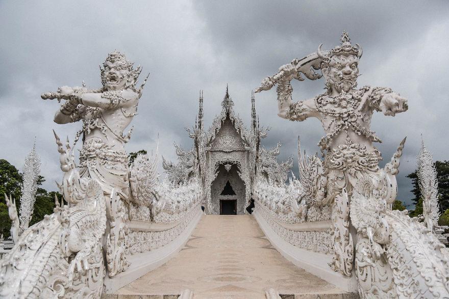 Ngôi chùa có cả thiên đường và địa ngục đẹp nhất thế giới-9