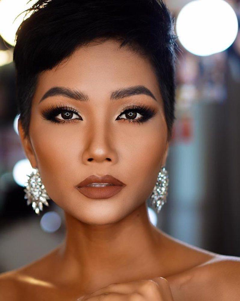 Đổi diện mạo liên tục trước Miss Universe 2018, HHen Niê xứng danh hoa hậu đa sắc màu nhất showbiz Việt-16