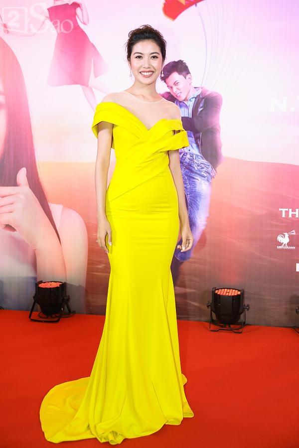 Á hậu Thúy Vân đi siêu xe 7 tỷ mới tậu ra mắt phim lần đầu đóng vai chính-3