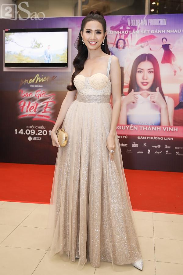 Á hậu Thúy Vân đi siêu xe 7 tỷ mới tậu ra mắt phim lần đầu đóng vai chính-11