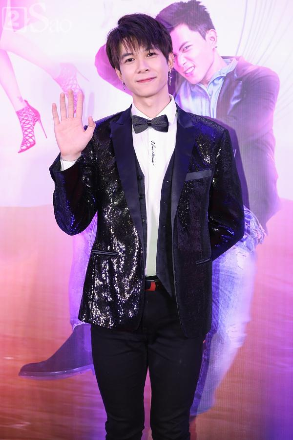 Á hậu Thúy Vân đi siêu xe 7 tỷ mới tậu ra mắt phim lần đầu đóng vai chính-5