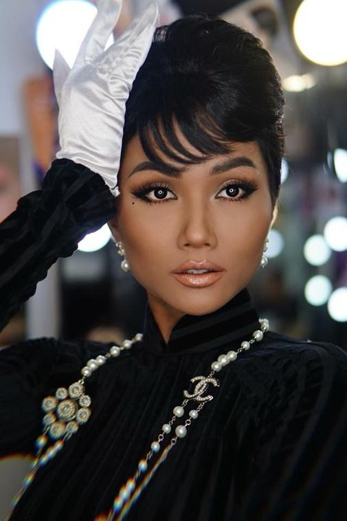 Đổi diện mạo liên tục trước Miss Universe 2018, HHen Niê xứng danh hoa hậu đa sắc màu nhất showbiz Việt-9