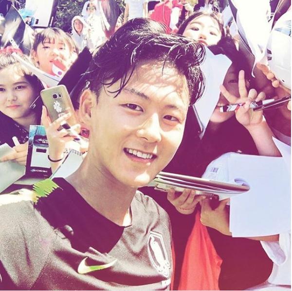 Không phải Son Heung-min, đây mới là ngôi sao bóng đá đang được vạn người mê ở Hàn Quốc-2