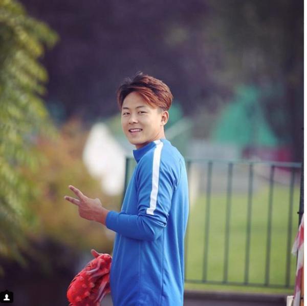 Không phải Son Heung-min, đây mới là ngôi sao bóng đá đang được vạn người mê ở Hàn Quốc-4