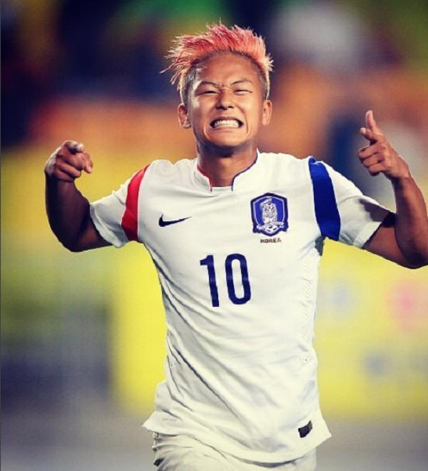 Không phải Son Heung-min, đây mới là ngôi sao bóng đá đang được vạn người mê ở Hàn Quốc-5