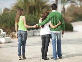 4 năm yêu nhau, cô gái khóc hết nước mắt vì bị người yêu cắm 8 'chiếc sừng'