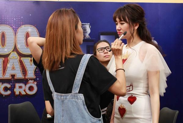 Hari Won mang dép lê tập nhảy khi hát hit của T-ara-1