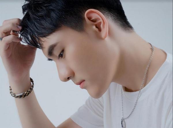 Việt Athen 'đốn tim' fan với teaser bài hát mới-2