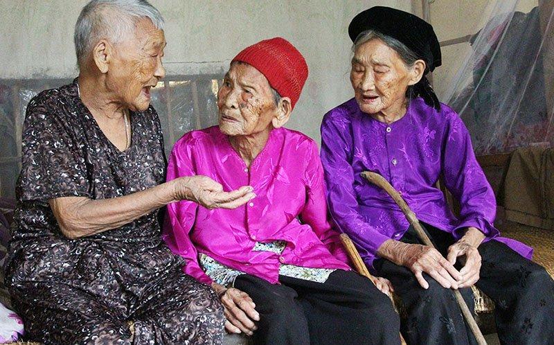 Cuộc sống ba chị em gái thọ trên 100 tuổi ở Nghệ An-1