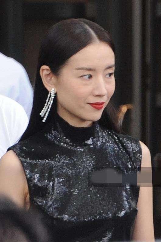 Phú sát hoàng hậu Đổng Khiết lộ hình ảnh kém sắc, da nhăn nheo-4