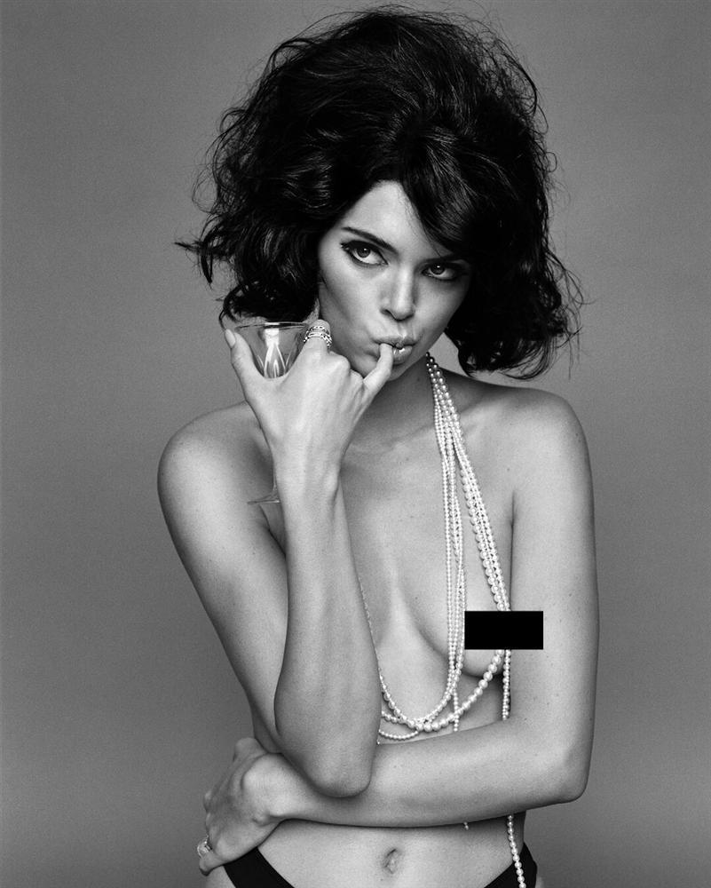 Sở thích khoe thân phản cảm đến hốt hoảng của Kendall Jenner-5