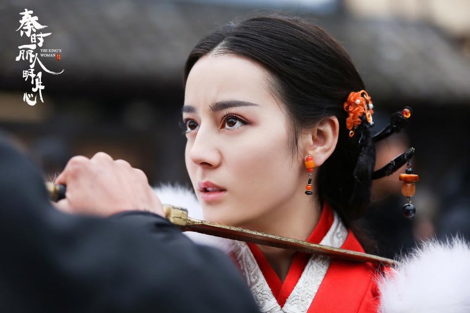 Địch Lệ Nhiệt Ba và Dương Tử: Nhan sắc hay tài năng sẽ lên ngôi Nữ thần Kim Ưng?-3