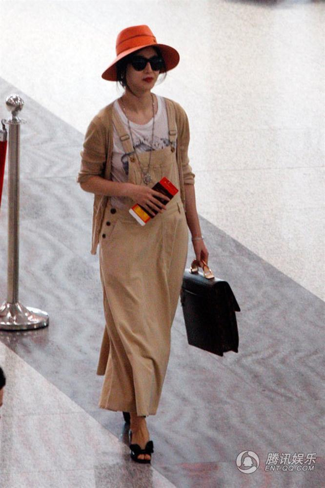 Ai ngờ Phạm Băng Băng lại có lúc diện gu thời trang thảm họa này-9