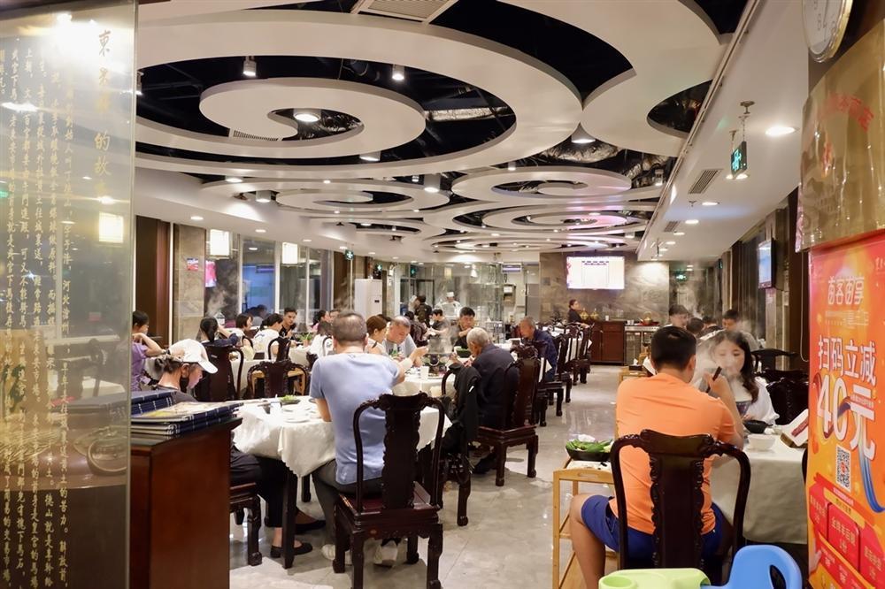 Lẩu nước lã - món ăn nhạt nhẽo nhưng hút khách ở Bắc Kinh-1