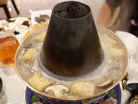 'Lẩu nước lã' - món ăn nhạt nhẽo nhưng hút khách ở Bắc Kinh