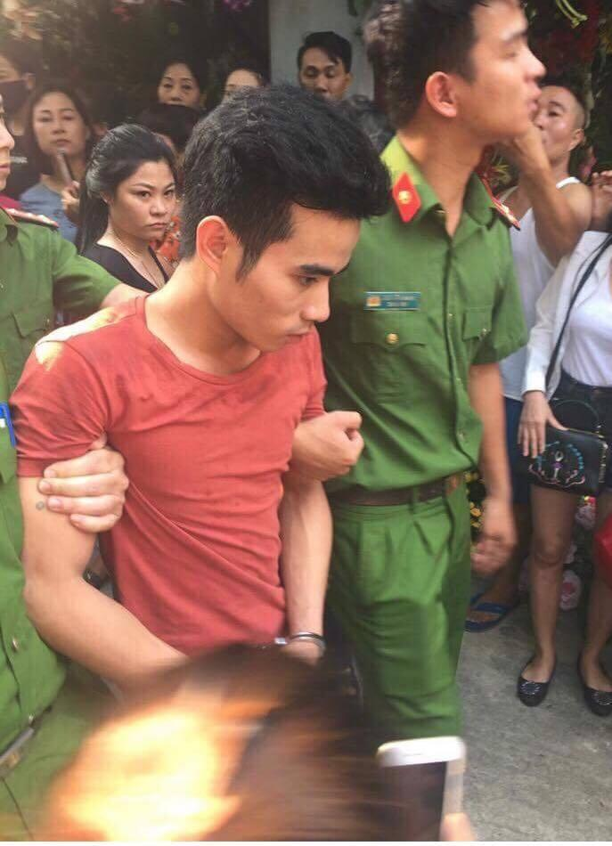 Chỉ một phút pose hình chiều khán giả, nhiều sao Việt đành ôm hận nhiều năm-1