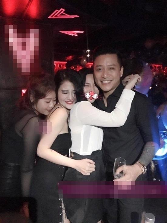 Chỉ một phút pose hình chiều khán giả, nhiều sao Việt đành ôm hận nhiều năm-8
