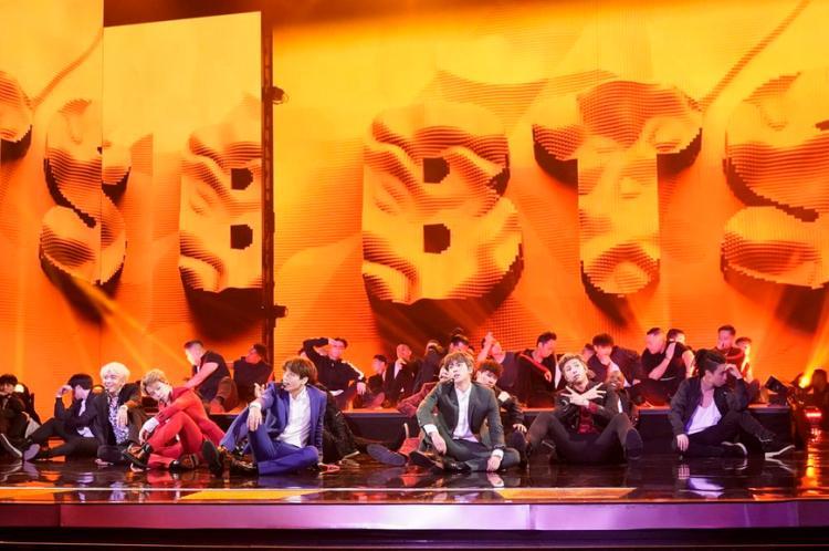 Clip hot: Chần chừ gì mà không xem ngay sân khấu Idol của BTS tại Americas Got Talent!-1