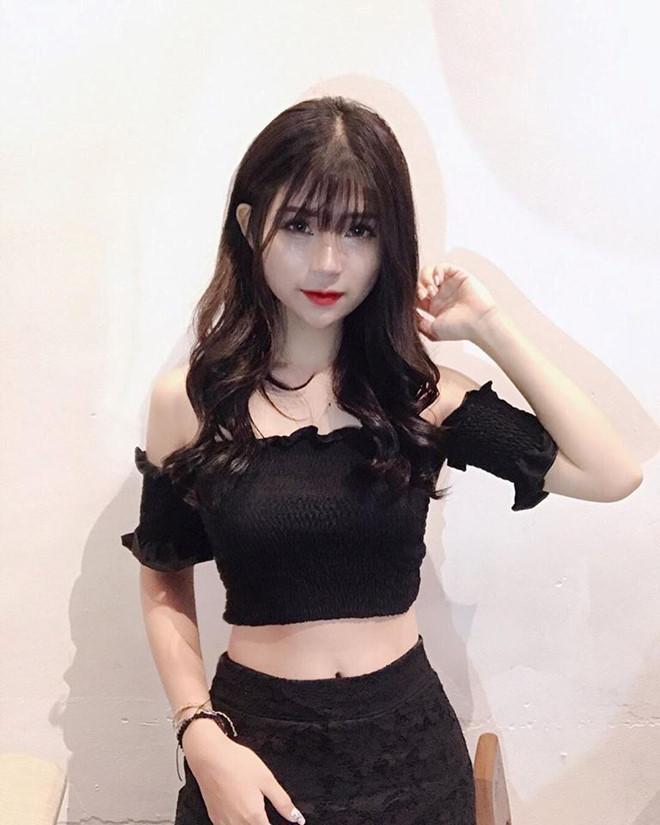 Trên mạng xinh đẹp là thế nhưng ảnh thật khi lên truyền hình của hotgirl Hà thành khiến người nhìn shock nặng-3