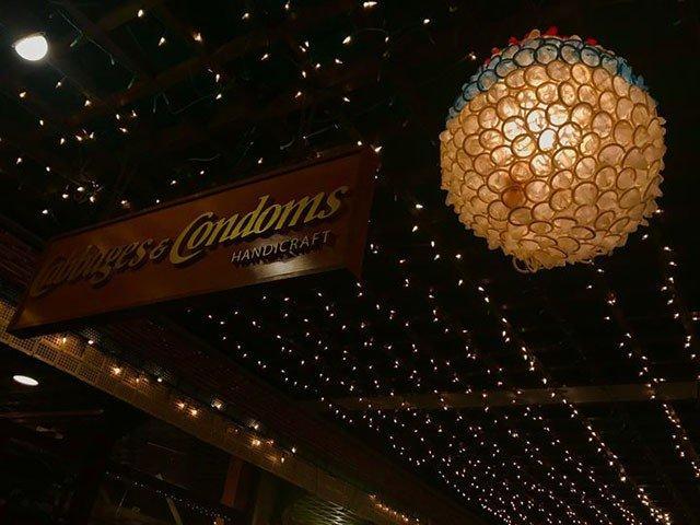 Đừng choáng nếu bắt gặp nhà hàng bao cao su này khi đi du lịch Thái Lan-3