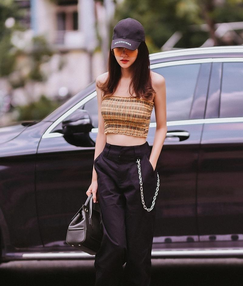 Tăng Thanh Hà lên đồ công sở sành điệu - Sơn Tùng dát hàng hiệu chất ngất dẫn đầu top sao mặc street style đẹp - ảnh 3