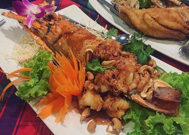 Đừng choáng nếu bắt gặp nhà hàng bao cao su này khi đi du lịch Thái Lan-12