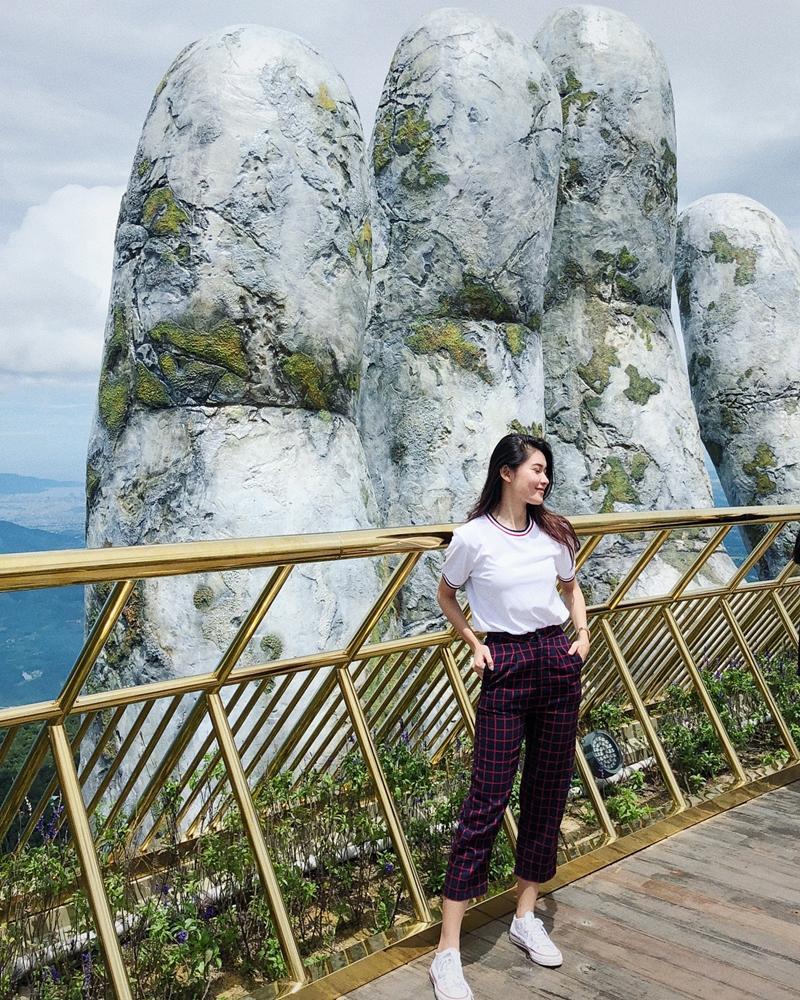 Tăng Thanh Hà lên đồ công sở sành điệu - Sơn Tùng dát hàng hiệu chất ngất dẫn đầu top sao mặc street style đẹp - ảnh 6
