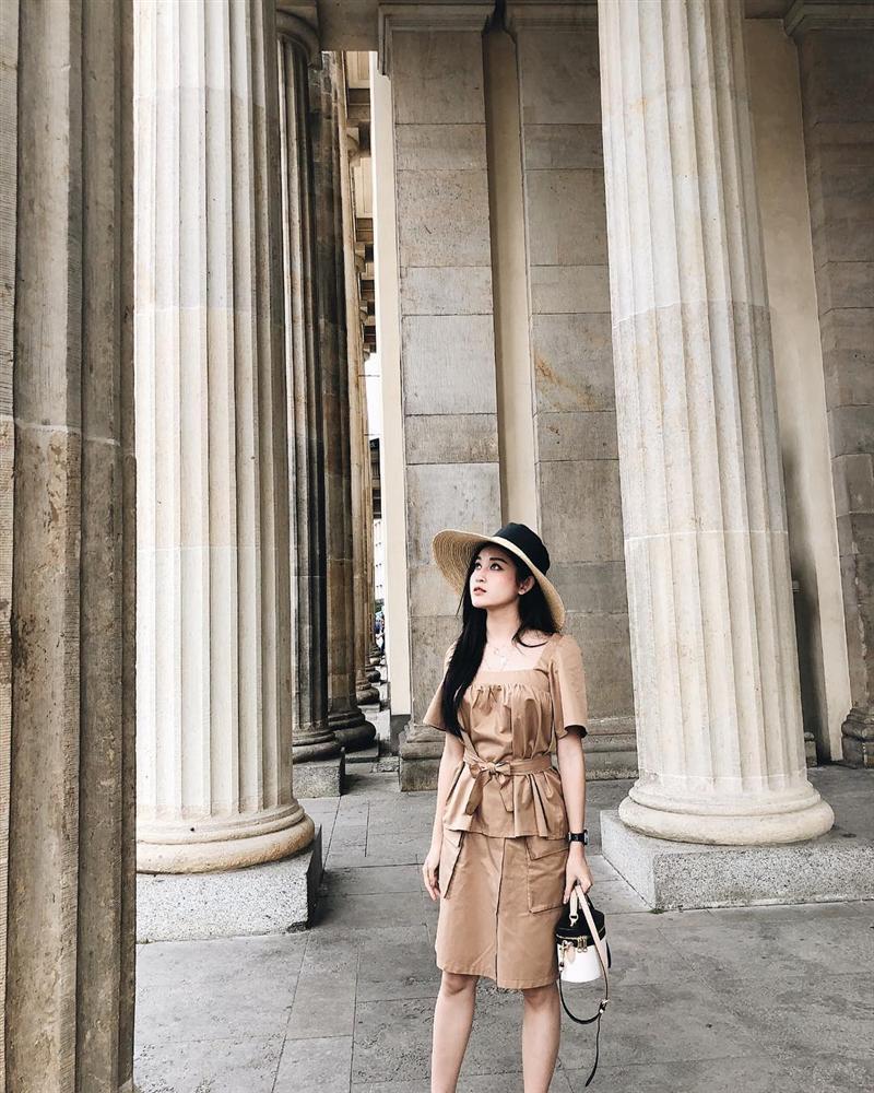 Tăng Thanh Hà lên đồ công sở sành điệu - Sơn Tùng dát hàng hiệu chất ngất dẫn đầu top sao mặc street style đẹp - ảnh 8