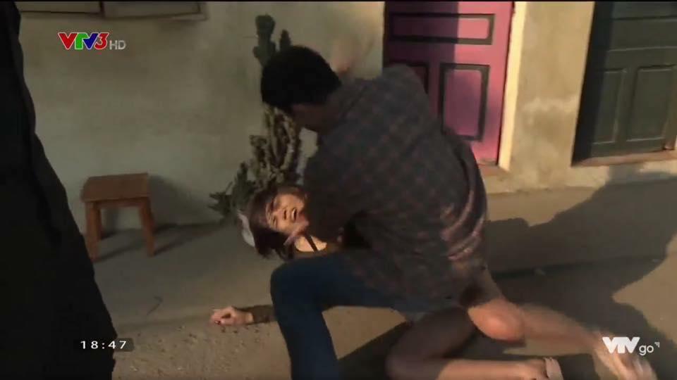 Lộ clip My Sói bị đánh dã man đến vỡ đầu chảy máu trong Quỳnh Búp Bê-1
