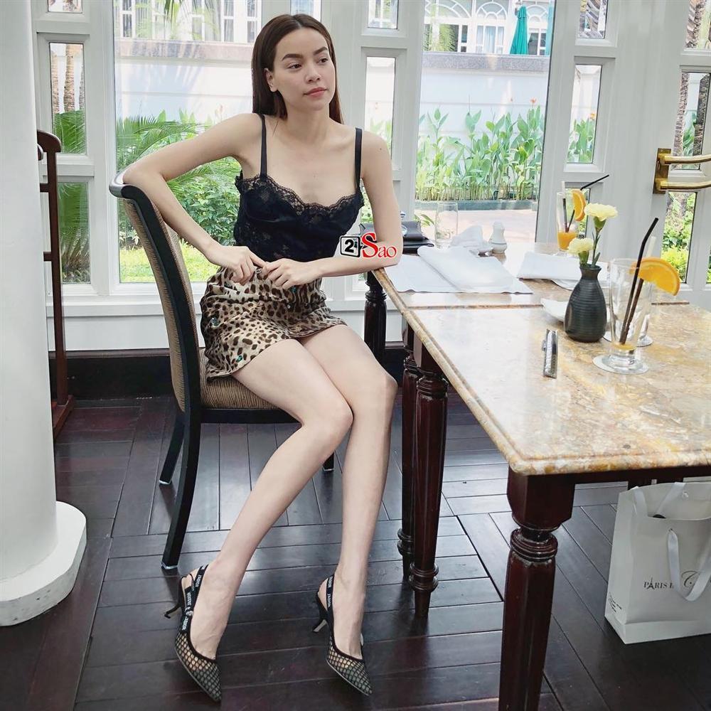 Tóc Tiên, Minh Tú, Chi Pu cùng hàng loạt tín đồ thời trang điên đảo trở lại với họa tiết da báo-2