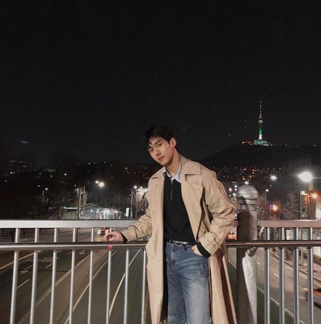 Hot boy Hàn Quốc ghé thăm Đà Nẵng cao 1,84 m, thân hình chuẩn 6 múi-11