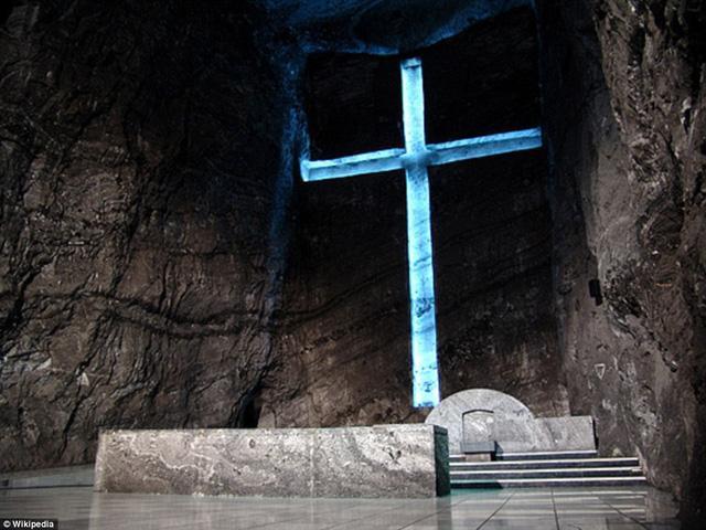 Mãn nhãn với nhà thờ độc nhất vô nhị trong mỏ muối-2