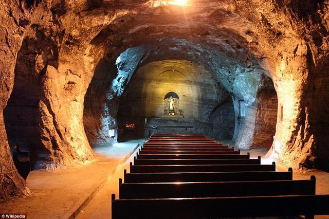 Mãn nhãn với nhà thờ độc nhất vô nhị trong mỏ muối-4