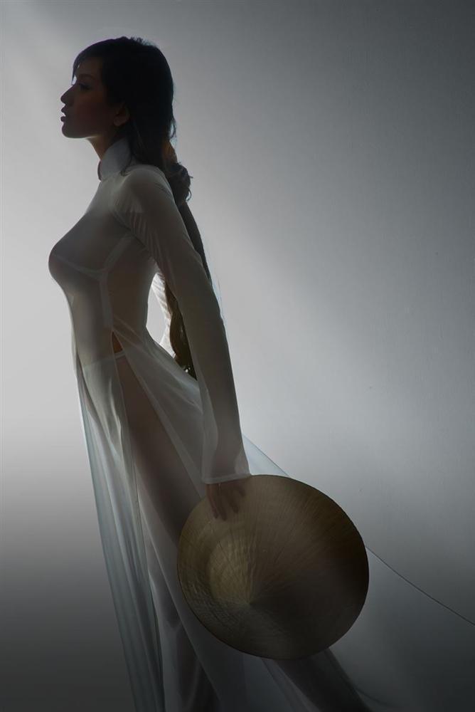 Nhắc lại scandal mặc áo dài ngả ngốn phản cảm, Mai Phương Thúy ngậm ngùi: Tôi vẫn còn nợ lời cảm ơn...-1
