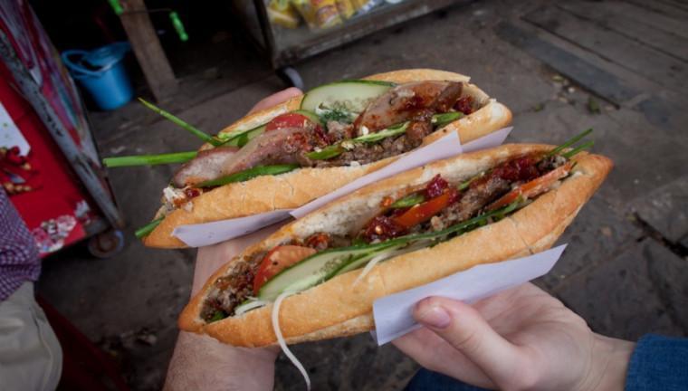 Những quán bánh mì Việt nổi đình nổi đám được báo nước ngoài ca ngợi-2
