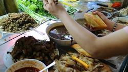 Những quán bánh mì Việt nổi đình nổi đám được báo nước ngoài ca ngợi