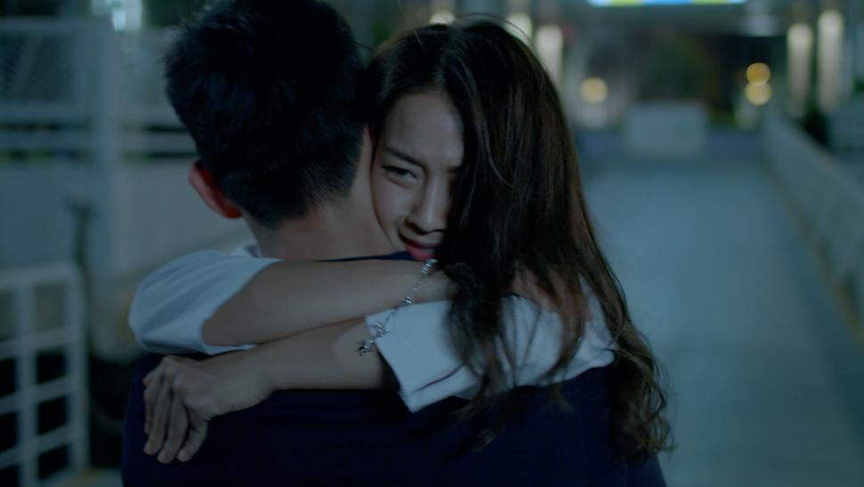 Khả Ngân và Song Luân tình tứ trong Teaser MV nhạc phim Hậu duệ mặt trời-2